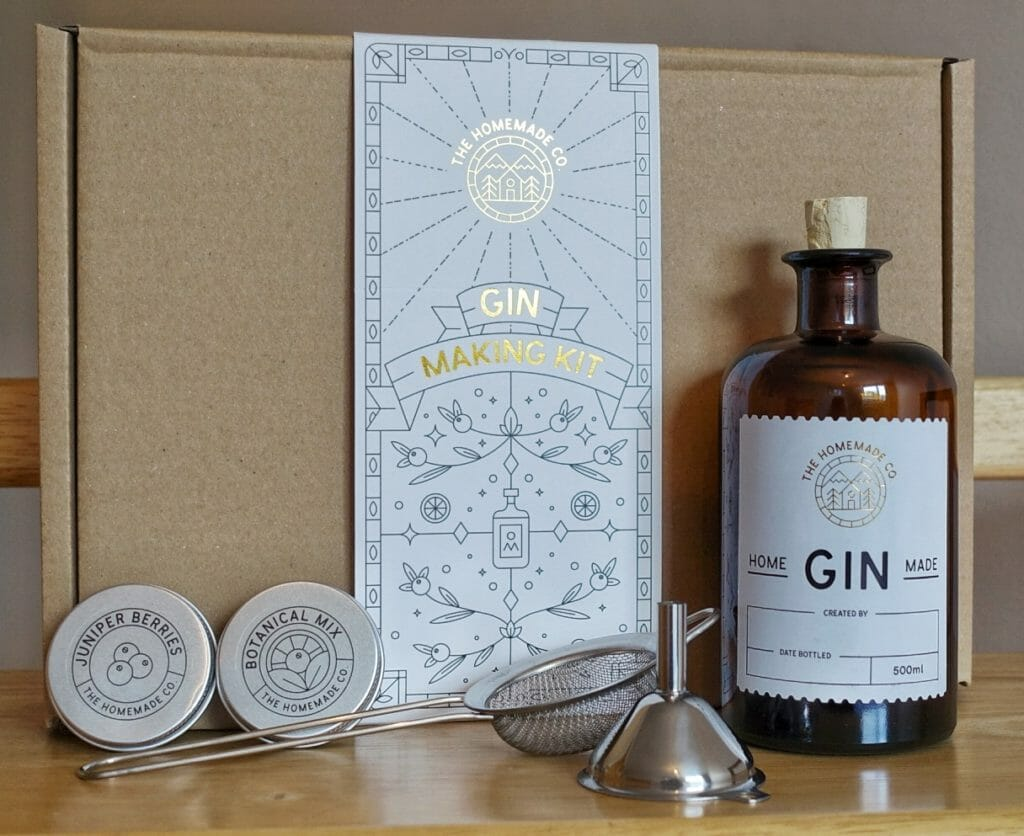 The contents of the gin making kit in front of the presentation box