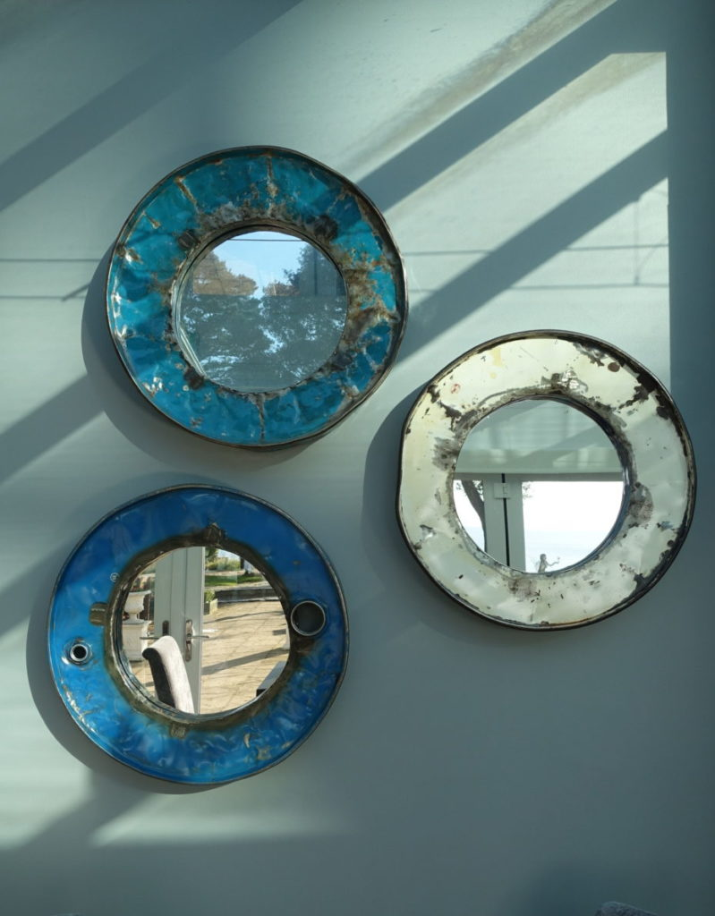 Rustic mirrors on the wall
