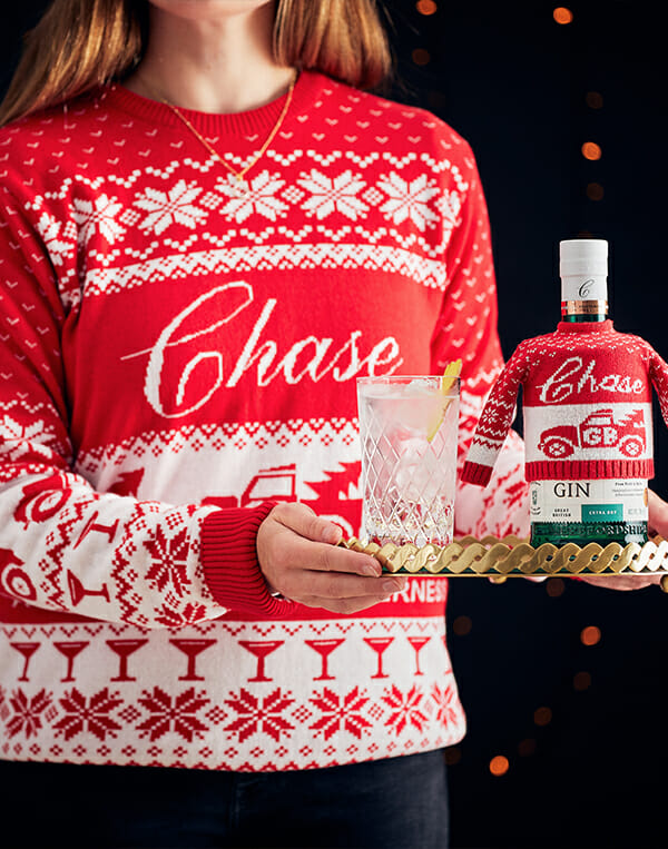 Chase Gin Christmas jumper gift set